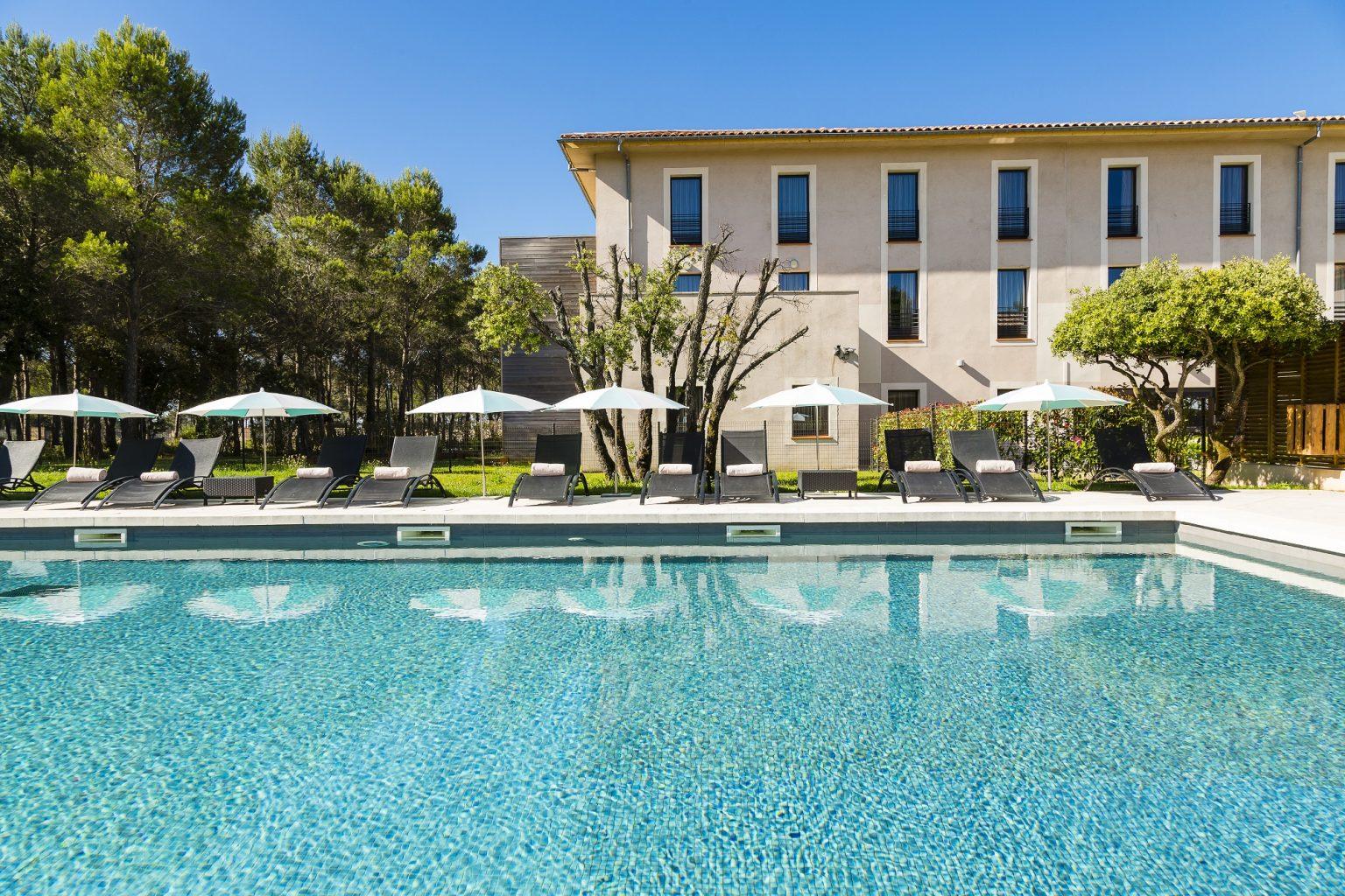 piscine hotel circuit castellet