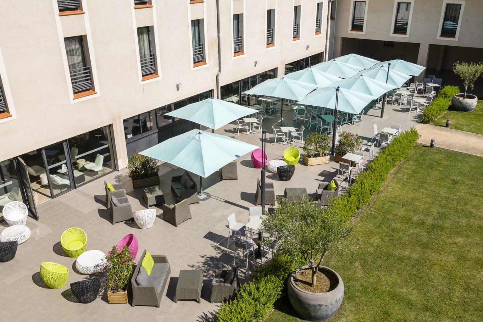 terrasse ensoleillee restaurant var