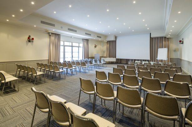 séminaire salle réunion lumière